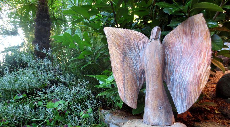 Engel der Begegnung - Nussholz weiss 43x39